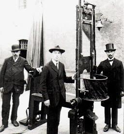 1379517880-guillotine+Munich2